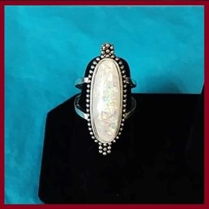 Jewelry - Vintage White Fire Opal Ring